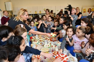 Frietjes van koolrabi of sushi van boterhammen: tv-kok Sofie Dumont brengt fun in de brooddoos