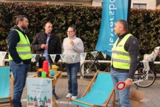 Fietsersbond Halen bezet parkeerplaats aan school voor meer veiligheid