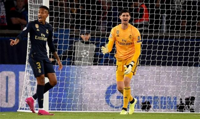 Crisis bij Real Madrid: Spaanse krant haalt tegenvallende statistiek van Courtois boven, maar legt de schuld elders