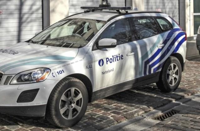 Twee arbeiders zwaargewond nadat stelling omvalt in Olen