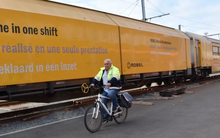 """Rudy (57) verkiest fiets boven gratis trein: """"Ik ben tenminste goed wakker als ik aankom op werk"""""""