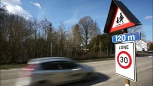 Voetgangersbeweging wil parkeerplaatsen vlakbij scholen afschaffen