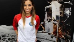Knappe NASA-onderzoekster kreeg ene na andere onderscheiding en zelfs haar eigen Barbie-pop, tot een professor iets opviel...