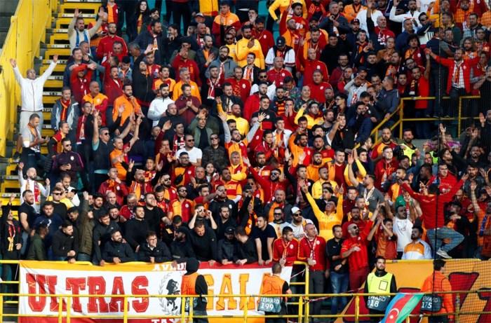 """Club Brugge-fans joelen massaal """"OCMW"""" naar Turken: """"Dit moet je veroordelen. Dat vonden we toch ook van Lukaku in Italië?"""""""