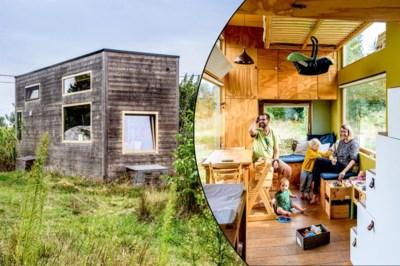"""Anne en Thomas wonen met hun twee kindjes op 16 m²: """"Het enige nadeel: je kunt hier niet uitslapen"""""""