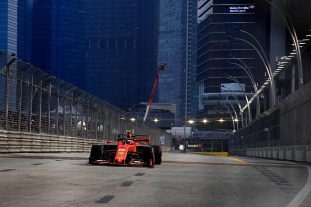 Charles Leclerc (Ferrari) verovert de polepositie in Singapore
