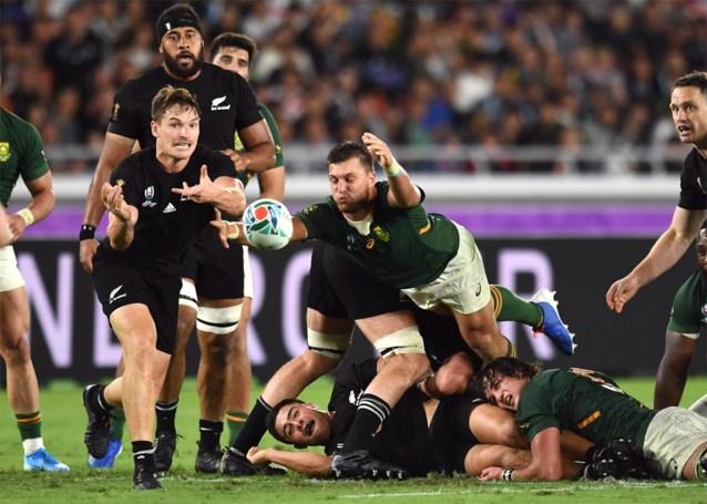 Titelverdediger Nieuw-Zeeland wint, na traditionele Haka, de clash tegen Zuid-Afrika op WK rugby