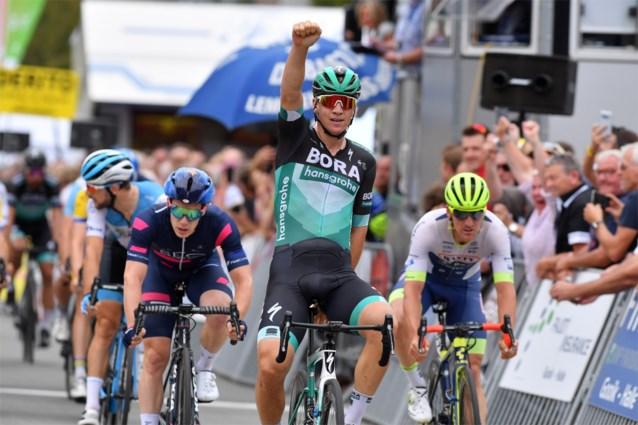 Pascal Ackermann bedankt Peter Sagan in Gooikse Pijl, Matteo Trentin wint in Italië
