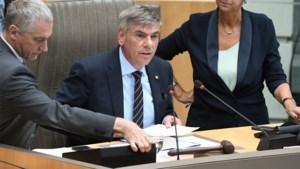 Nieuw politiek jaar begint in Vlaams Parlement zonder regering: Filip Dewinter (Vlaams Belang) voorzitter tijdens eerste zitting