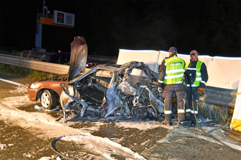 Belg komt om bij zwaar auto-ongeval in Oostenrijk, passagier kan net aan vlammenzee ontsnappen