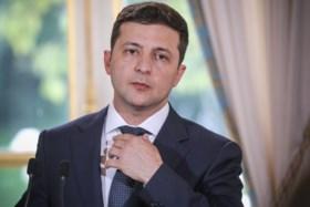 """Het wordt Trump heet onder de voeten: meer details bekend over """"verontrustend"""" gesprek met Oekraïense president"""