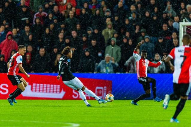 AZ wint overtuigend op het veld van Feyenoord