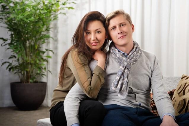 Stijn en Nuria uit 'Blind getrouwd' verwelkomen tweede zoontje