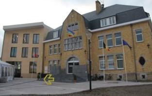 Moderne aanbouw naast historisch gemeentehuis opent de deuren