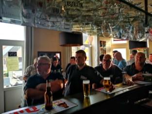 Supporters van wielrenner Stan Dewulf zien hun renner 11de eindigen op WK