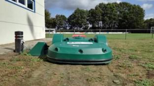 """Defecte robotmaaiers herschapen voetbalvelden in gevarenzone: 'Ernstig risico op letsels"""""""