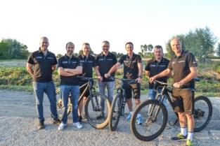 """Vijf vrienden gaan duizend kilometer fietsen in Australië: """"Dit worden verhalen, die we de rest van ons leven kunnen vertellen"""""""