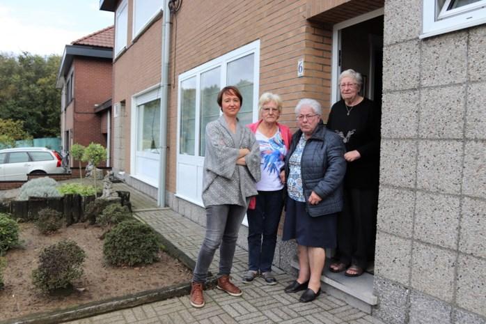"""Alice (75), Paula (83) en Maria (83) moeten op hun oude dag sociale wijk verlaten: """"Ik dacht dat ik hier alleen zou weggaan tussen zes planken"""""""