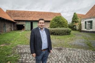 Capellehof biedt na renovatie ruimte aan 't Ferm en kruidenierswinkel