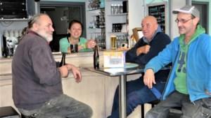 """Sabrina en Stefaan van café Onder Den Toren opnieuw winnaar: """"Velen stappen recht van de kerk ons café binnen"""""""