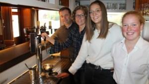 """Familiaal volkscafé uit gehucht gekroond tot Beste Café: """"Een prachtige appreciatie voor ons werk"""""""