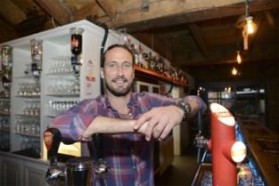 """Na één jaar haalt Sacha (41) al titel van Beste Café binnen: """"Het werk van een ijzersterk team"""""""