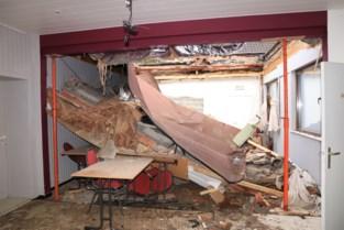 De avond voordien nog werd er nog vergaderd, nadien stortte dak parochiezaal in