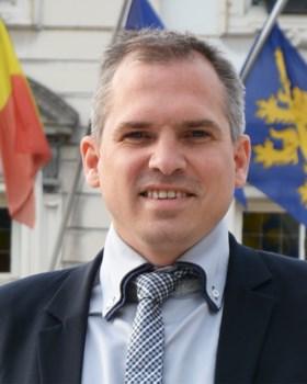 Een politieke belofte en een loyale partijsoldaat: dit zijn de twee écht nieuwe gezichten in de Vlaamse regering