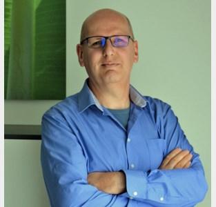 Onderzoek leidt Bruno Gielis naar niet één maar twee vliegtuigcrashes in veld