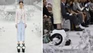 Met de vreemdste schoenen op de catwalk… kun je niet stappen