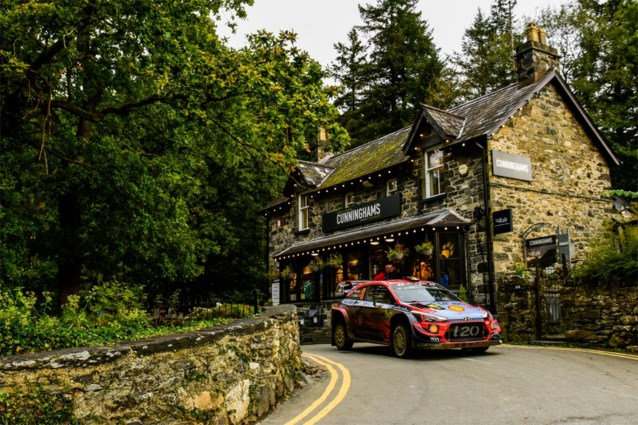 Thierry Neuville voorlopig tweede in Rally van Wales, op 2,1 seconden van Meeke