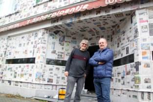 Winkel volledig ingepakt met kranten, en dat heeft speciale reden