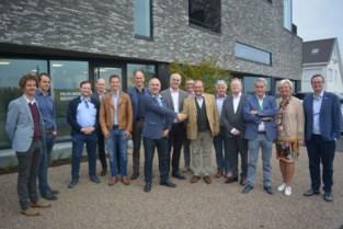 """UZ Gent opent polikliniek langs N42 in Gijzenzele: """"We komen dichter bij de patiënt en we verkleinen de file- en parkeerdruk in Gent"""""""
