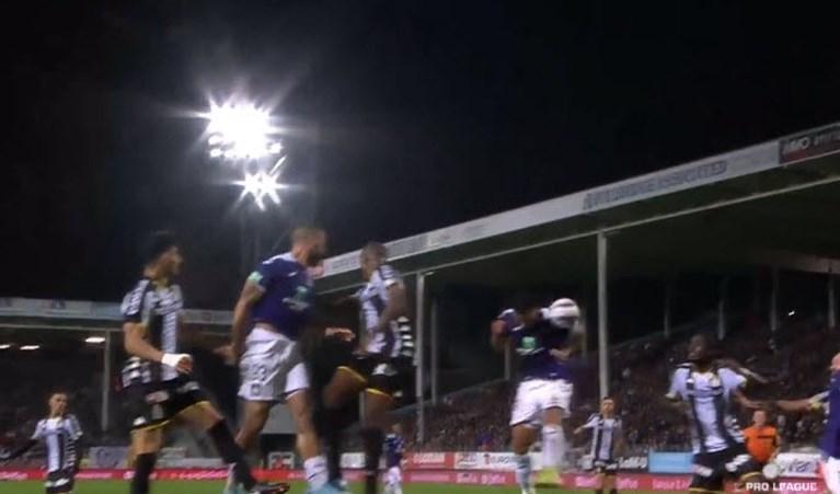 Opnieuw pech voor Anderlecht: VAR keurt doelpunt van Chadli in Charleroi onbegrijpelijk af