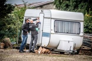 """Man ligt maandenlang dood in caravan: """"Op amper enkele meters van ons huis, en wij wisten van niks"""""""