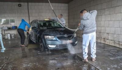 """1 op 2 slachtoffers van mensenhandel is een man: """"Of wie denk je dat zo goedkoop je auto wast?"""""""