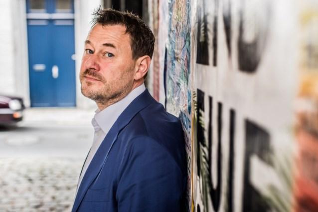 Twee jaar na beschuldigingen van grensoverschrijdend gedrag is Bart De Pauw terug met nieuw programma