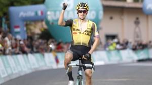 Roglic maakt indruk en soleert naar zege in Giro dell'Emilia