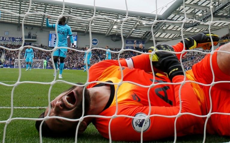 Dramatische namiddag voor Tottenham: kansloze nederlaag en zware blessure voor doelman Hugo Lloris na flater
