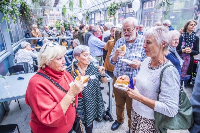 """Het oudste personeelsfeest van Vlaanderen: """"Tien dagen na mijn pensioen was ik alweer aan het werk"""""""