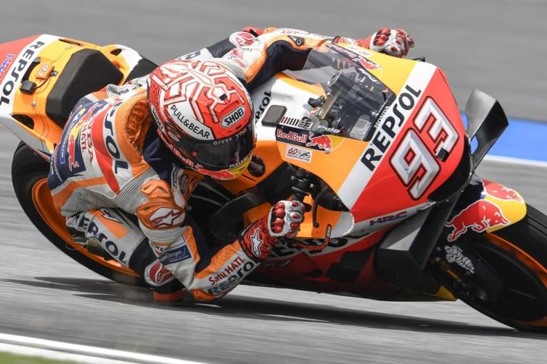 Spanjaard Marc Marquez slaat dubbelslag in Thailand en is voor de zesde keer wereldkampioen in MotoGP