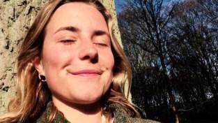 """Vriendinnen vermoorde Julie Van Espen delen pakkend filmpje als herinnering: """"Ze blijft mensen raken"""""""