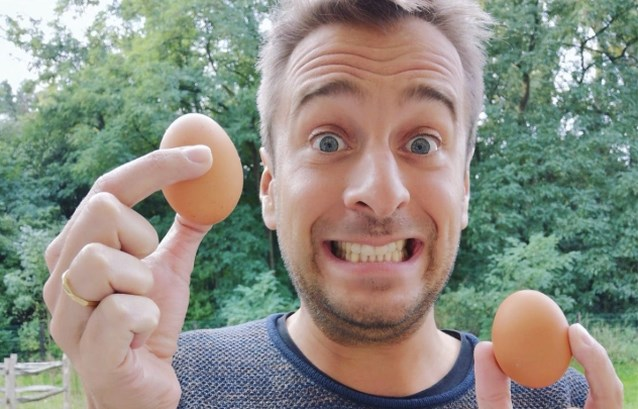 Radiopresentator Sam De Bruyn heeft drie nieuwe kippen: Hilde, Zuhal en Lydia