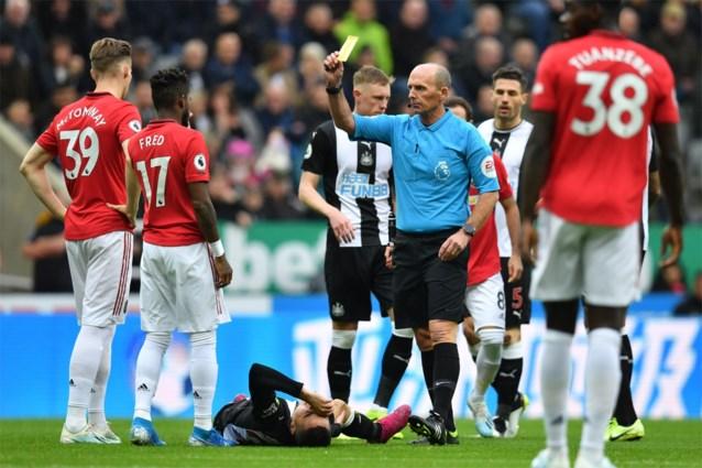 Manchester United verliest bij staartploeg en staat door slechtste start in 20 jaar maar net boven de degradatiezone