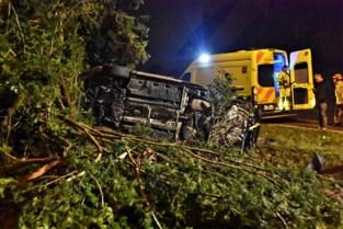 Bestuurder spoorloos na zware crash in Duffel