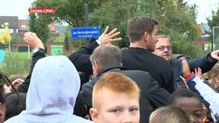 VIDEO. Temsenaar Jan Vertonghen opent voetbalpleintje in Niel