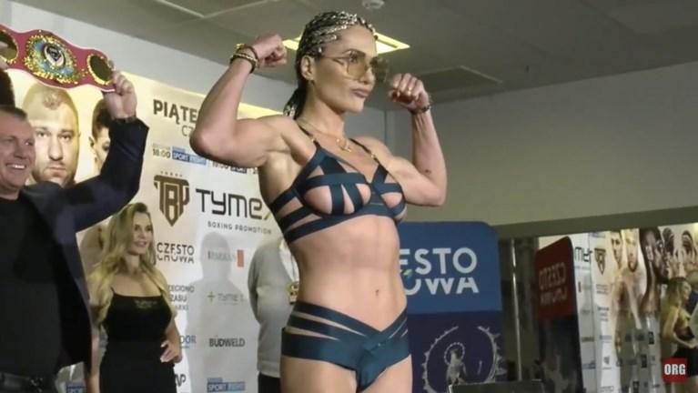 Wereldkampioene boksen Ewa Brodnicka gaat viraal na kus: wie is deze uitdagende Poolse die klaar is voor Playboy?