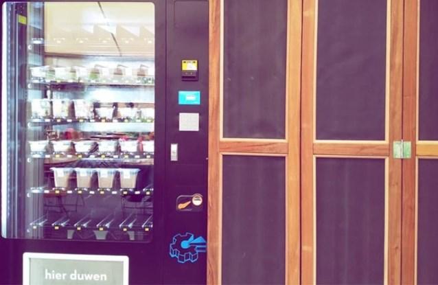 Euforie in Leuven: bekende horecazaak pakt uit met dessertenautomaat