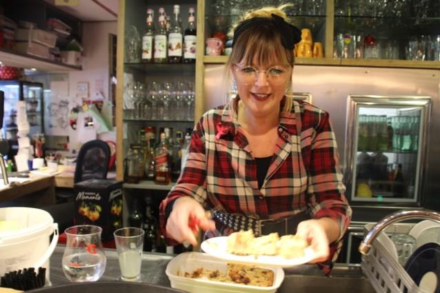 Natalie Camelbeke eerste Belgische kampioen broodpudding bakken