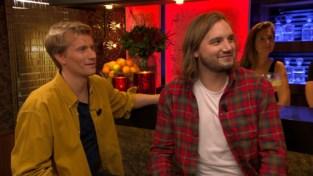"""Broers uit Beste Café van Vlaanderen mogen pint drinken bij James in 'Gert Late Night': """"'t Was een stevig feestje, het kon tellen"""""""